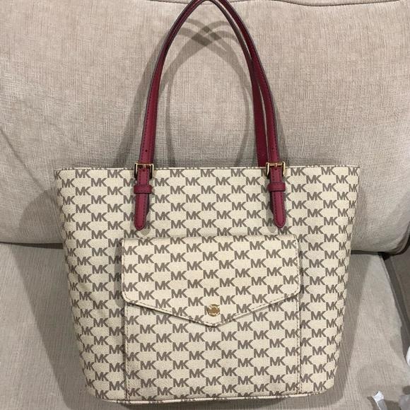 7b27cc8f8427 Michael Kors Bags | Jet Set Lg Pocket Mf Tote Bag Purse | Poshmark